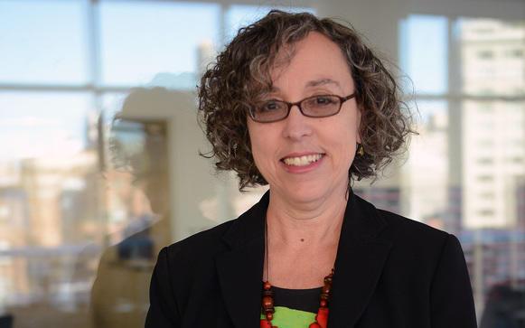 speaker Lenni Benson